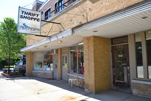 WTTW Chicago Tonight video on Avenues Thrift Shoppe